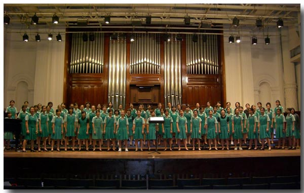 blog-CIMG1483-choir.jpg